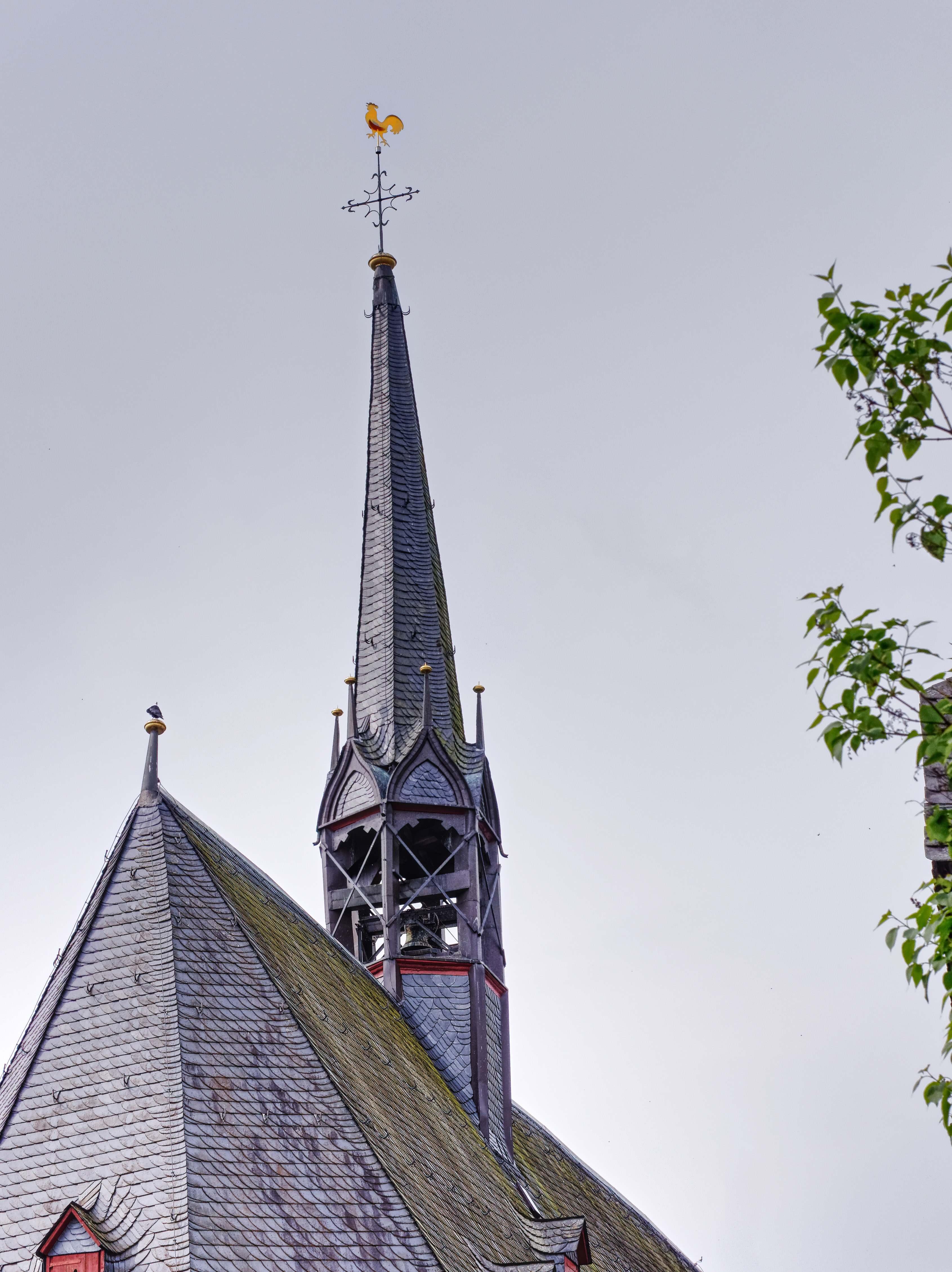 Dachreiter mit offen liegender Glocke