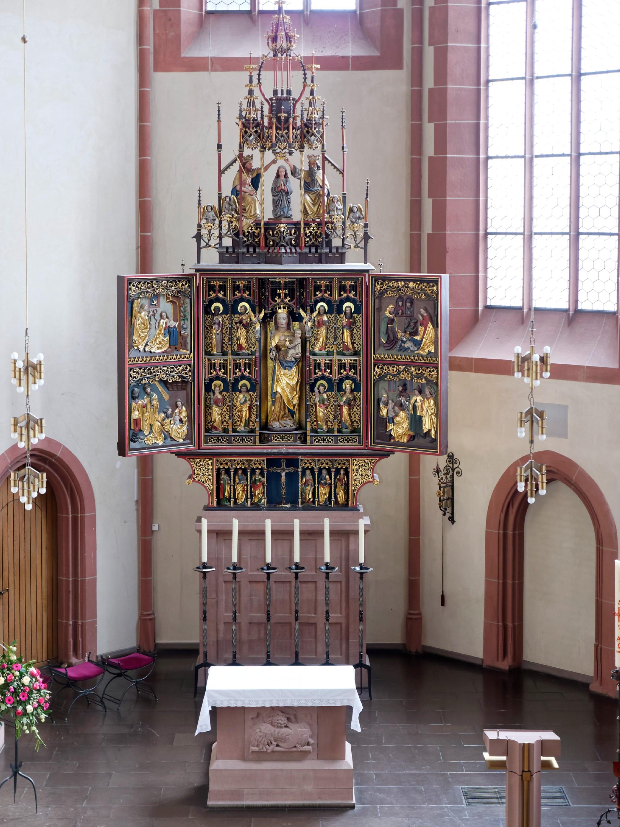 Altarschrein im Chor