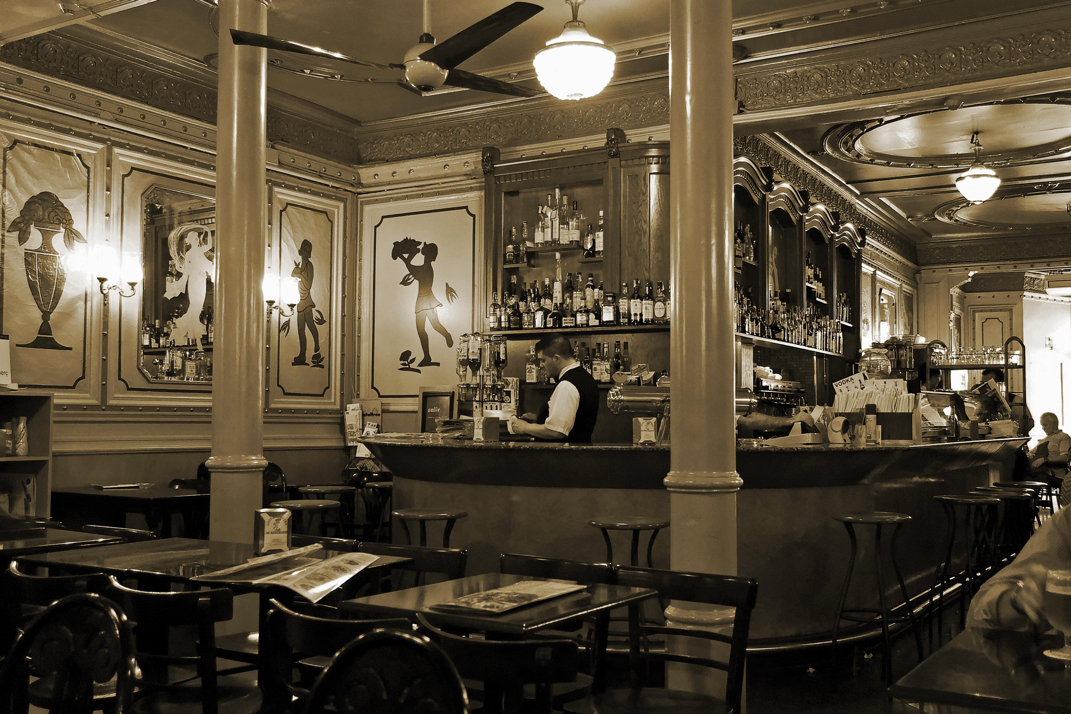 Barcelona: Cafe de l'Opera
