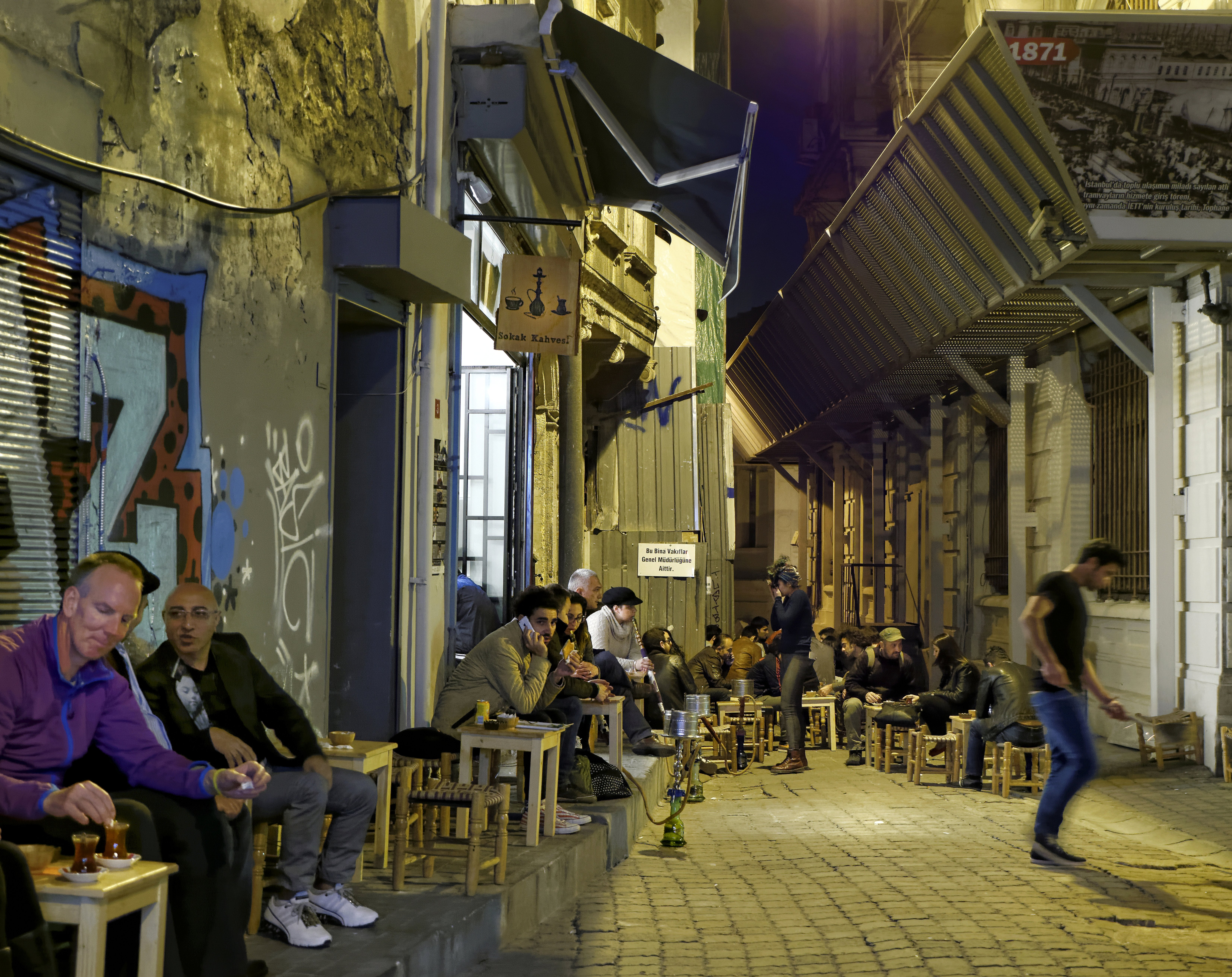 ISTANBUL: NARGILE, Wasserpfeife oder Shisha